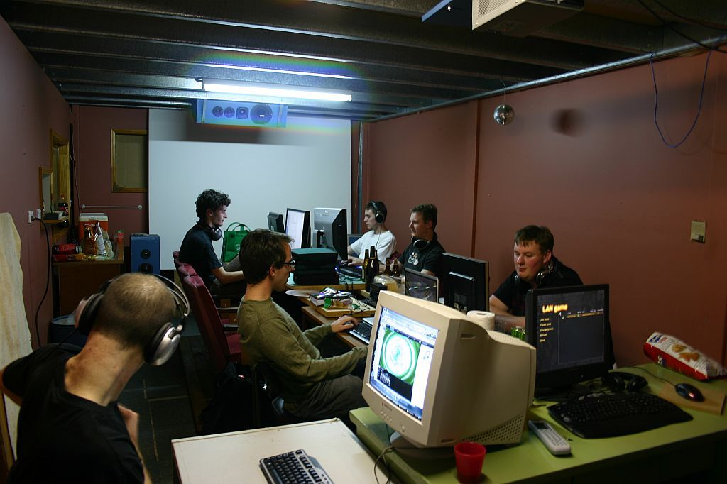 LCDs at a LAN party