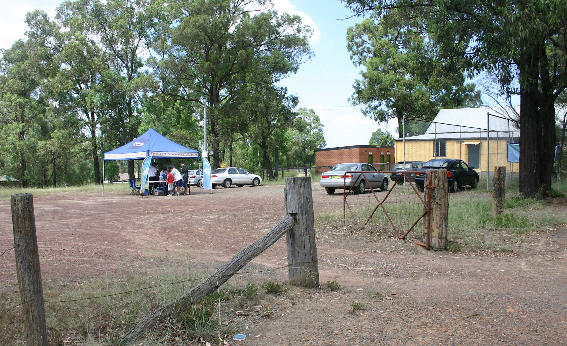 Tent offering broadband services in Stanley Park, East Kurrajong, 2006